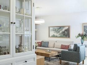 זווית לסלון בעיצוב פשוט