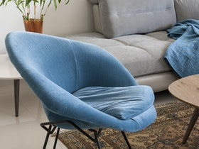 כורסת ישיבה קלה בצבע כחול