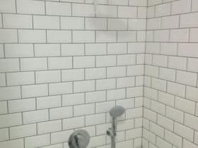 חיפוי קרמיקה באמבטיה