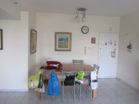 כניסה לדירה לפני שיפוץ