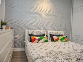 מיטה זוגית + מזרן וקיר מעוצב