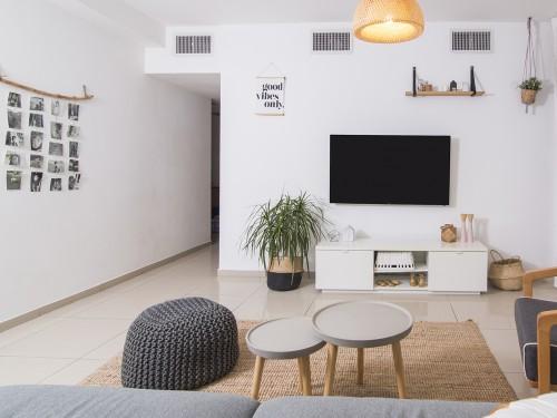 בגדי הדירה החדשים - הום-סטיילינג לדירה שכורה