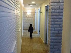 מסדרון אחורי