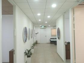 פרוזדור משרדים