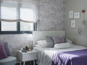 חדר שינה לבת הבוגרת