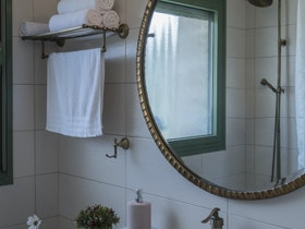 מקלחת בסגנון כפרי