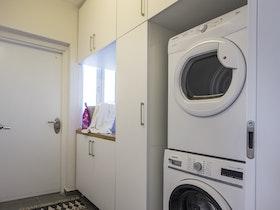 מכונת כביסה ומייבש