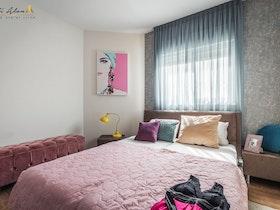 מיטה זוגית עם מזרן זוגי