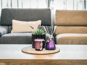 שולחן סלון ו2 כורסאות ישישבה