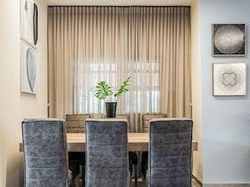חדר אוכל משופץ בבית פרטי