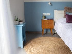 צילום חוזר של חדר שינה כפרי