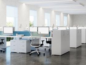 חלל גדול של משרדים לאחר שיפוץ