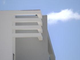 חיפוי קיר לבניין