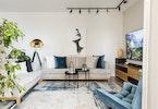 צילום סלון עם שטיח ו2 ספות