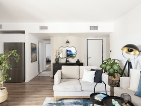 צילום לזווית כניסה לדירה