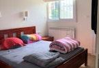מיטה זוגית בצבע קונייק מעץ כולל מזרון ו2 כריות