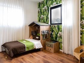 חדר ילדים בעיצוב בית על עץ