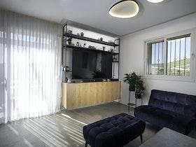 סלון בדירה משופצת
