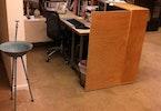 דלפק מזכירה, ליטוש בטון וחיפוי בסילר