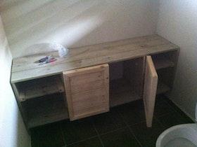 התקנת ובנייה ארון שירותים
