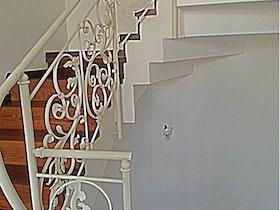 שיפוץ גרם מדרגות