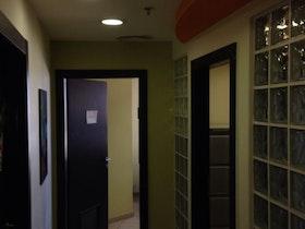 מסדרון משרדים